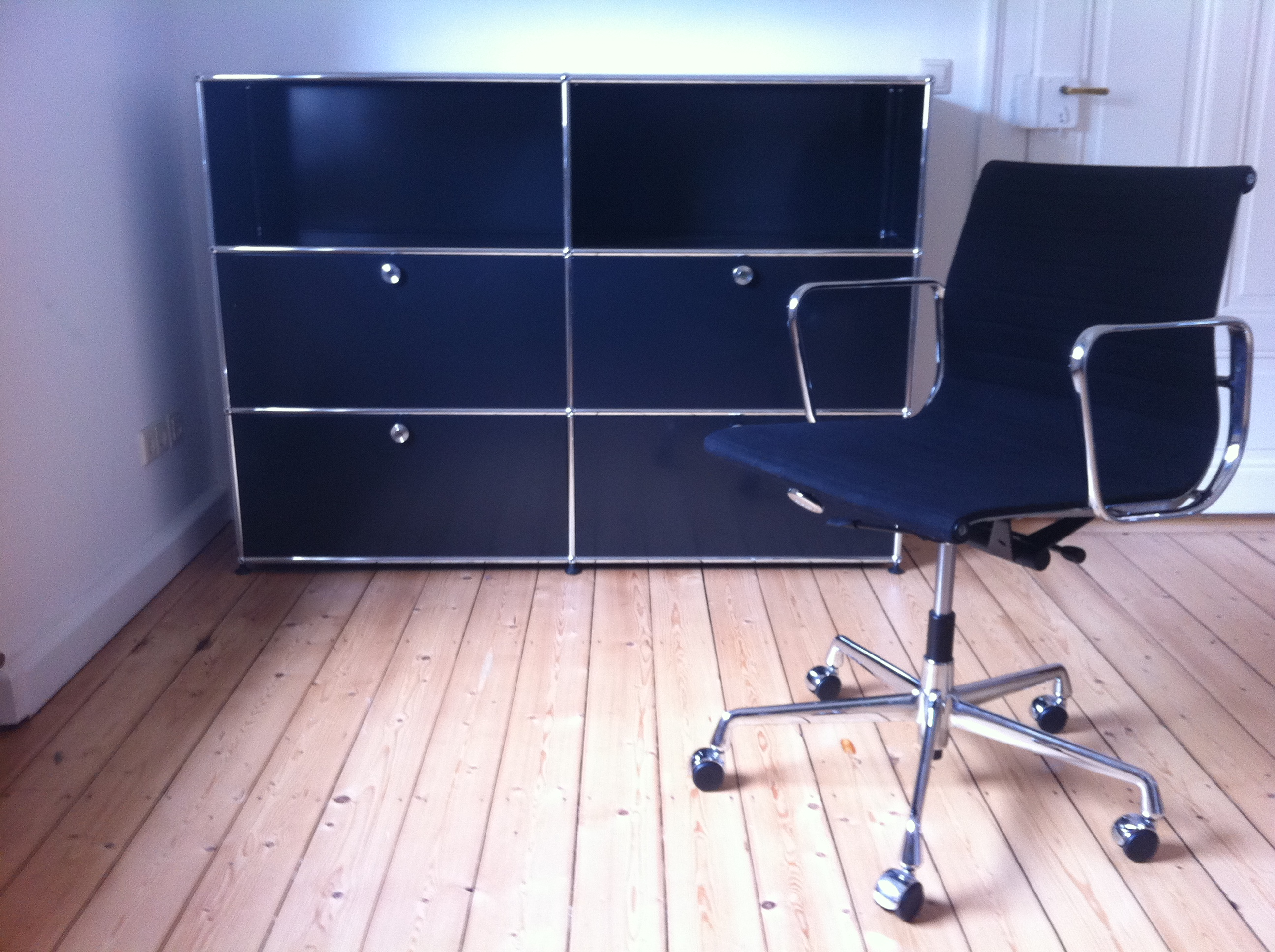 usm markt usm haller m bel der designklassiker im gebrauchtmarkt. Black Bedroom Furniture Sets. Home Design Ideas